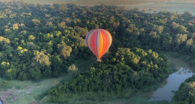 Balloon safari in Masai Mara national reserve